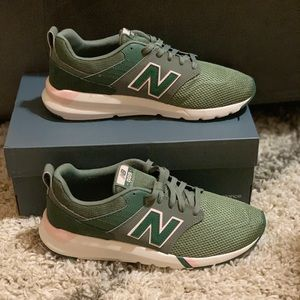 New Balance 009 V1 Sneakers